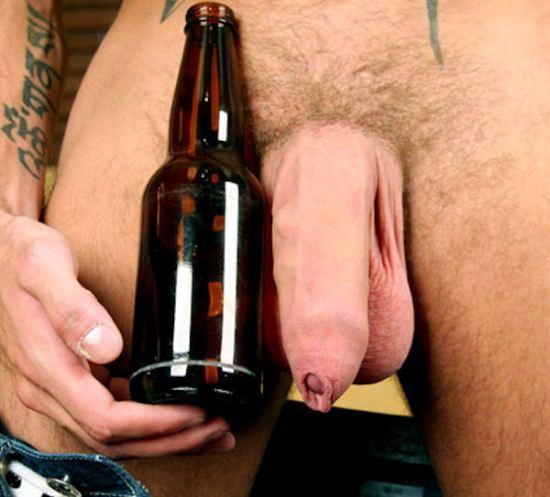 penis uncunt casco de cerveja