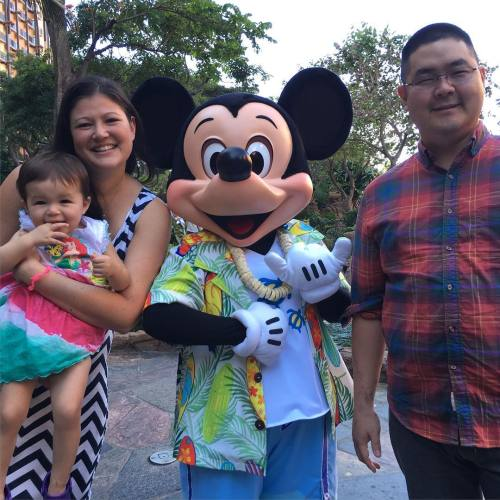 Just me and my three favorite people… Err 2 favorite people and a mouse #FinalTestForEmmaBeforeBuyingTicketsToDisney #AlwaysWithThoseFingersInHerMouth (at Aulani's Makahiki Character Breakfast)