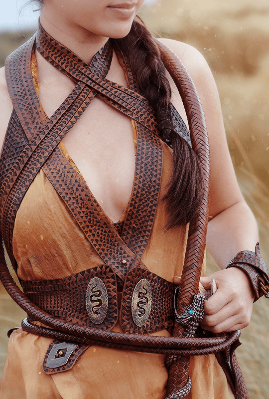 "♕ Game of Thrones 5.04 ""Sons of the Harpy"" + Costume Details {x}"