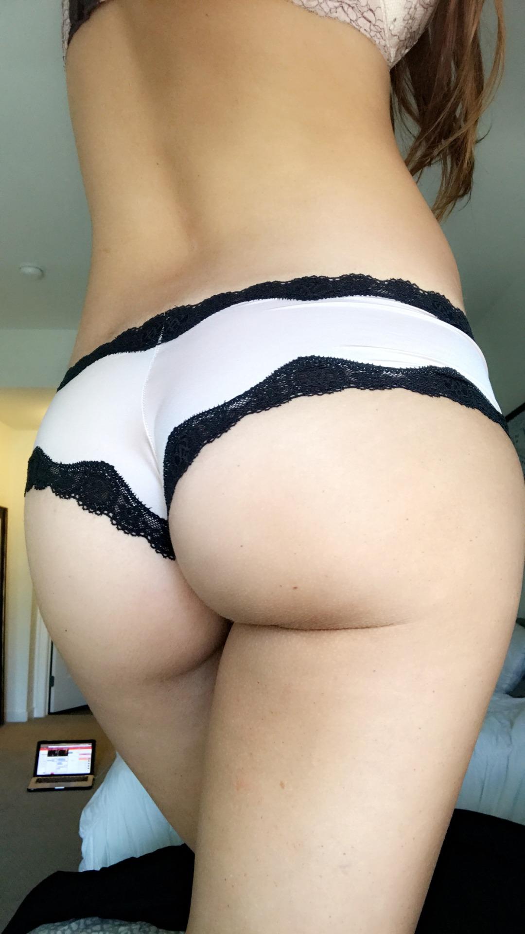 SassyyGingers' sweet cheeks