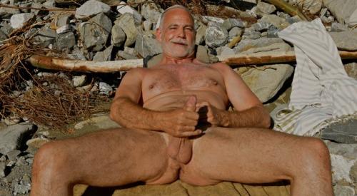 Breathtaking and cool af. Spread 'em wide, papa bear.