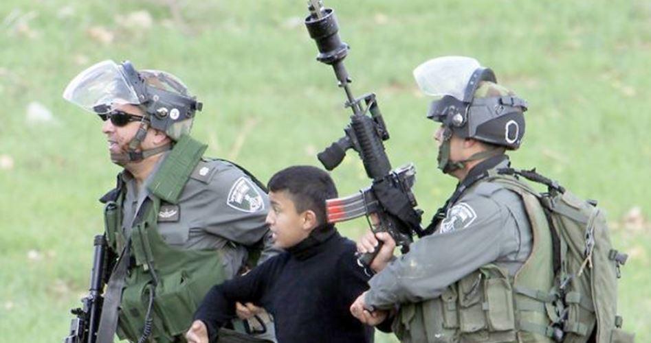 Due bambini palestinesi picchiati e rapiti dalle forze israeliane . Martedì, a al-Khader, nel sud di Betlemme, le forze di occupazione hanno rapito due bambini palestinesi, dopo averli picchiati violentemente. Un reporter di PIC che si trovava sul...