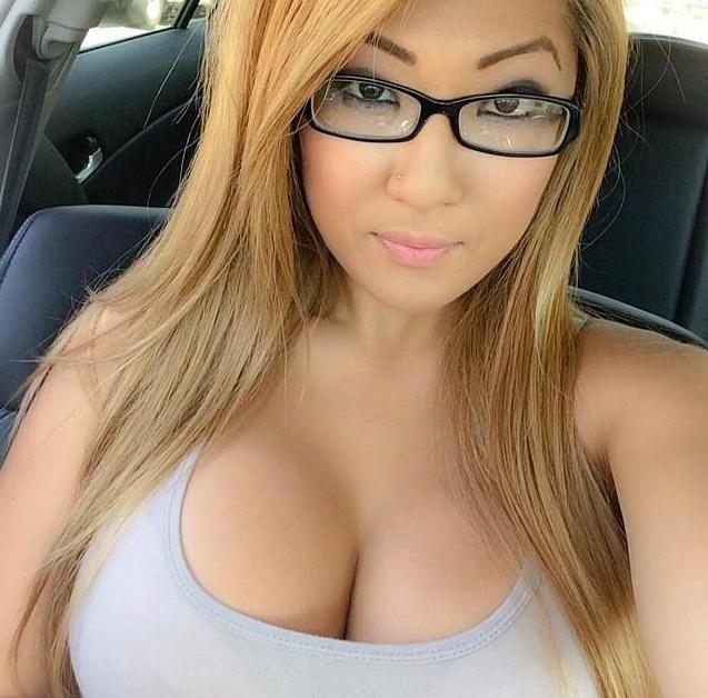 Super Hot Girls Selfies