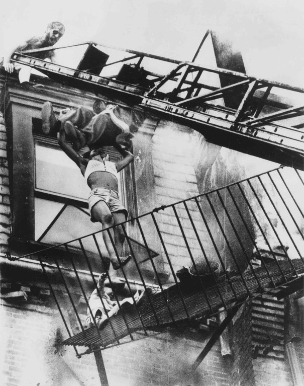 853fa30c67b74 Fire Escape Collapse  A mother and her daughter falling from a ...