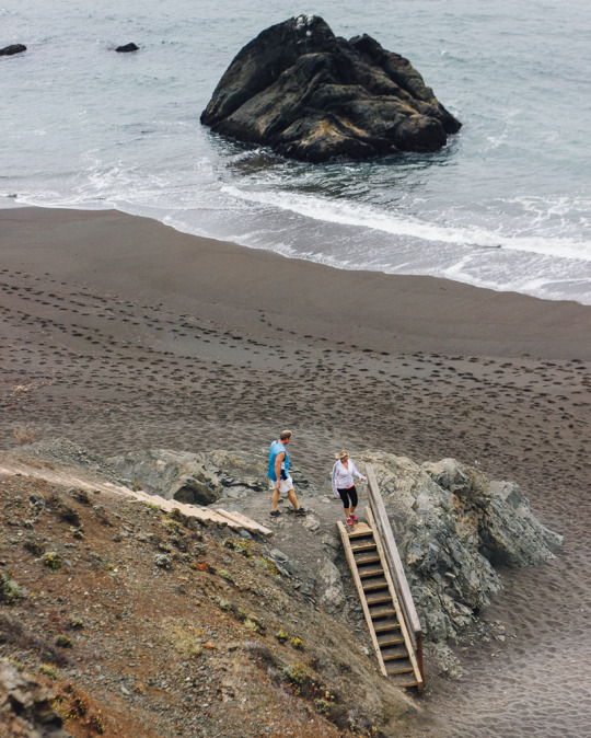 hidden black sands beach near San Francisco and how to get to it