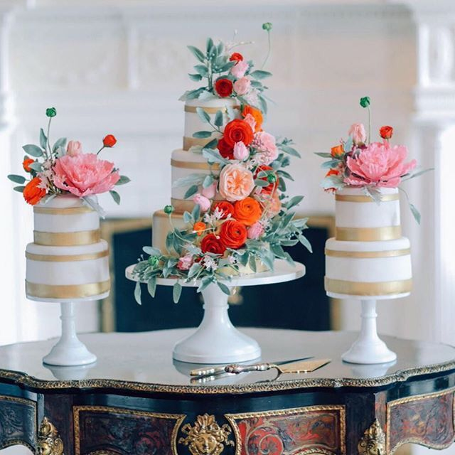 The Mischief Maker I Cakes, Sugar Flowers, Luxury Dessert Environments