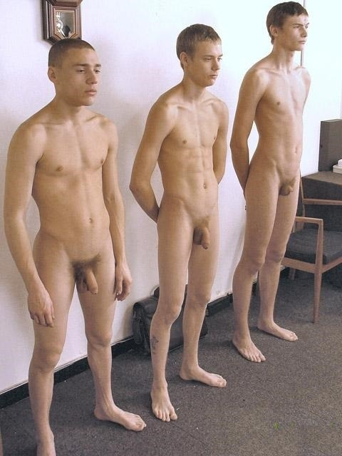 Nudes Of The Oblation Run Cfnm-5007