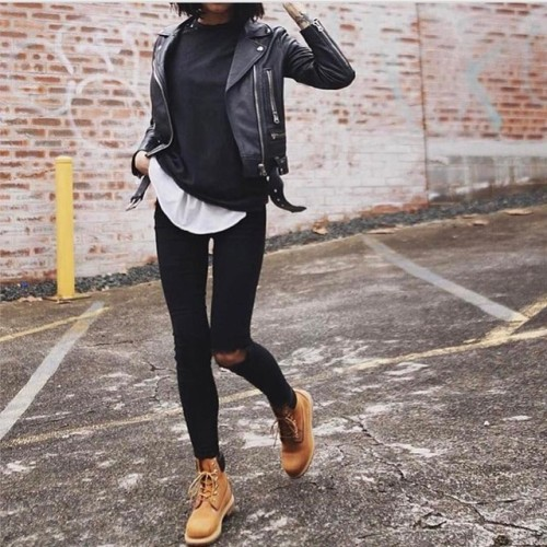 $15.14 Get her black ripped jeans »here« !