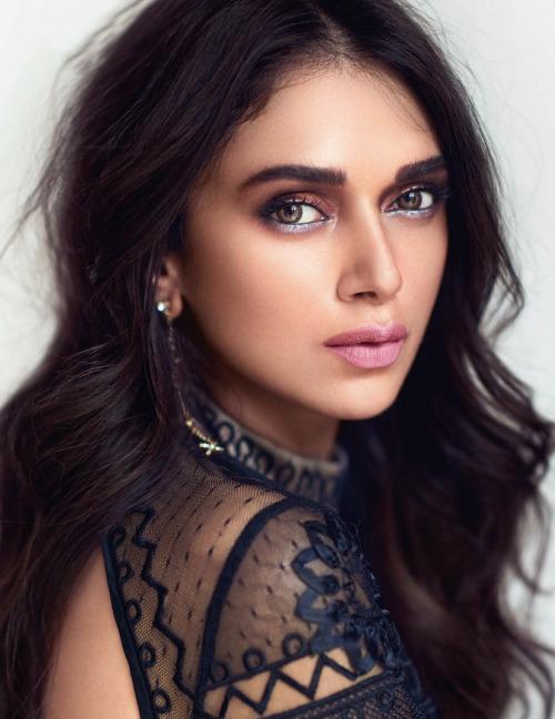 Yeh Saali Zindagi,Rockstar,Murder 3, Roshni,Shanti,Sheena,Prajapathi,Savithri,Hindistan,Bollywood,Aditi Rao Hydari,