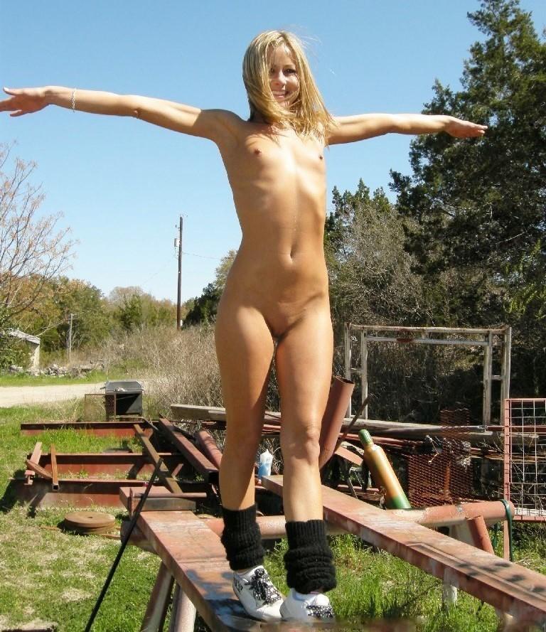 Female exhibitionist naked