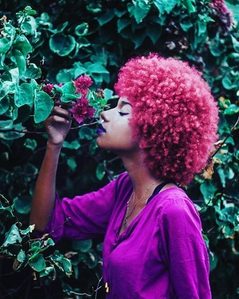 A flower for a flower. #blackwoman #blackqueen #natural #naturalhair #lunamoonuh #brownskin #darkskin #pangeasgarden
