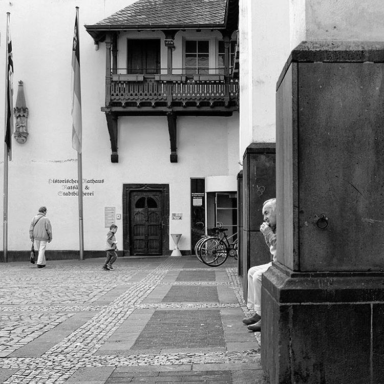 #photooftheday #onephotoaday #photography #photographerslife #fujix100t #colorphotography #streetstyle #streetart #streetphotography #streetfood #city #people #peoplephotography #market #andernach #eifel (hier: Andernach)