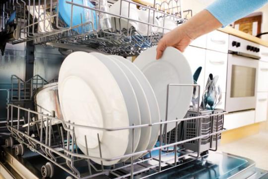Masina de spalat vase este un moft sau o necesitate