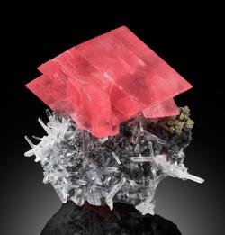 vugnasmineralblog:   RHODOCHROSITE   Sweet Home Mine, Park Co., Colorado, USA