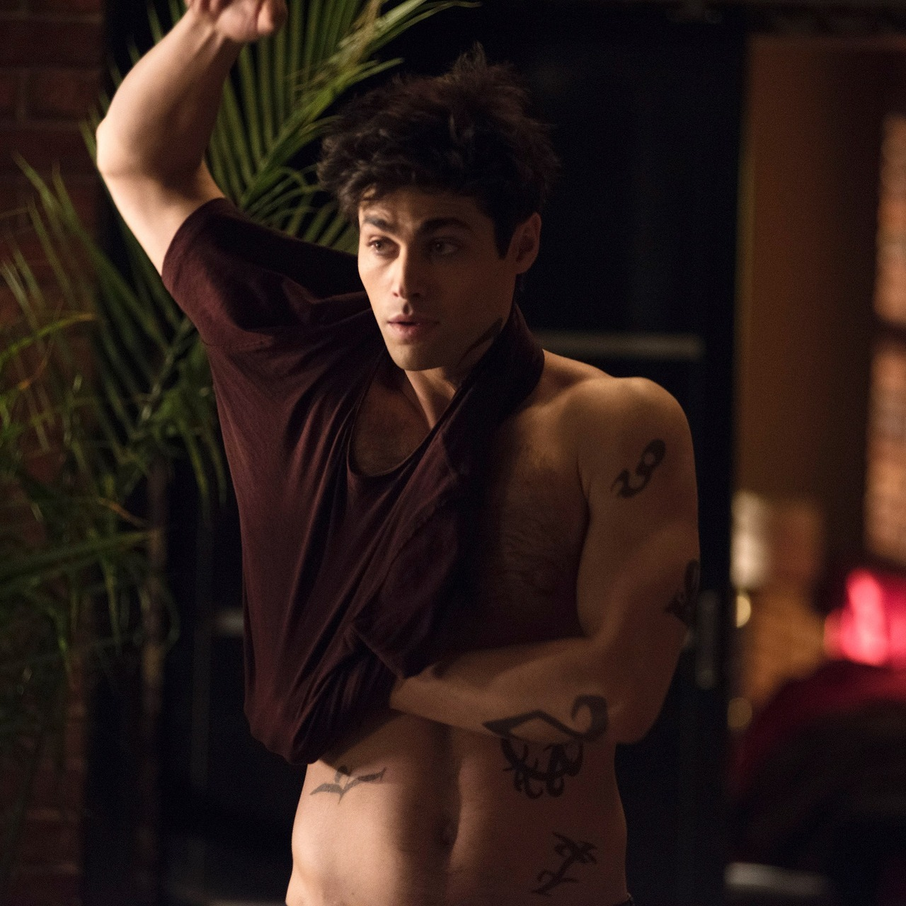It's okay, Alec. You don't have to put on a shirt for us. _ _ _ Sneak peek photo from Monday's all new episode of Shadowhunters.