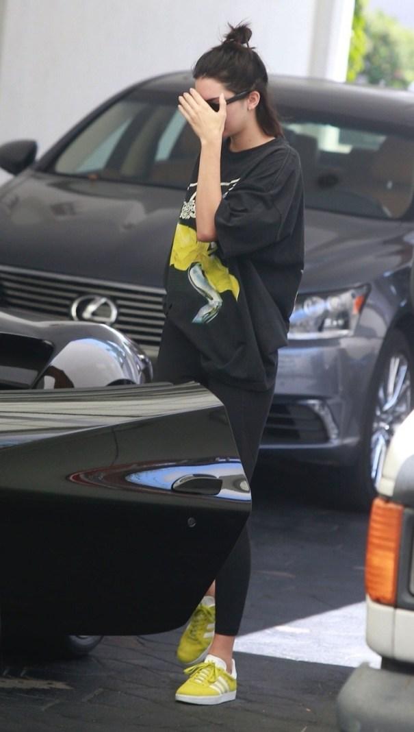 Kendall Jenner | Leaving a dermatologist Beverly Hills, CA | 20