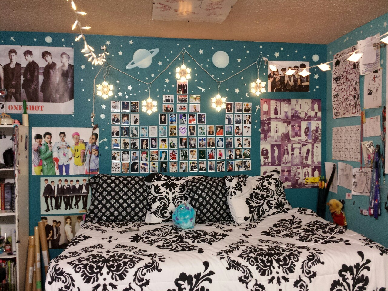 KPOP BEDROOM IDEAS -If you have little spaces... on Room Decor Bts id=91410