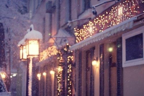 amandaricks.com/village-of-twinkle-lights/