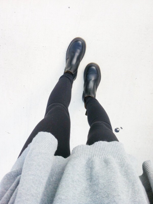 $41.99 Get her black leather boots »here« !