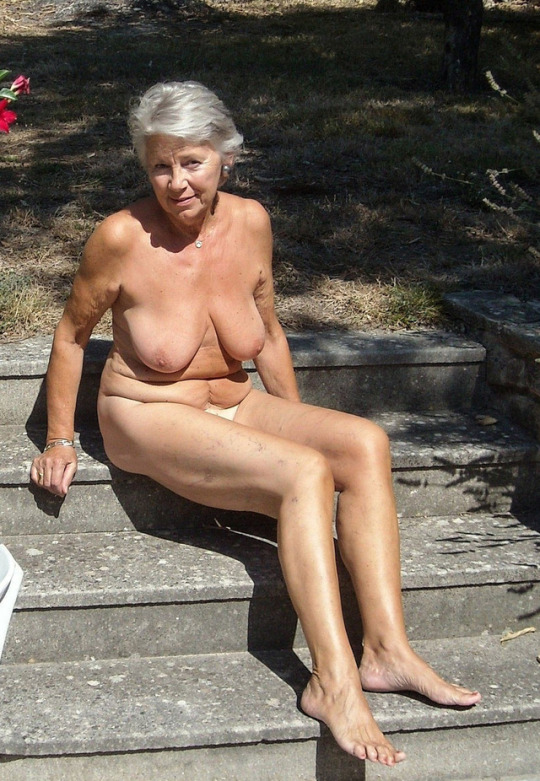Old mature nude
