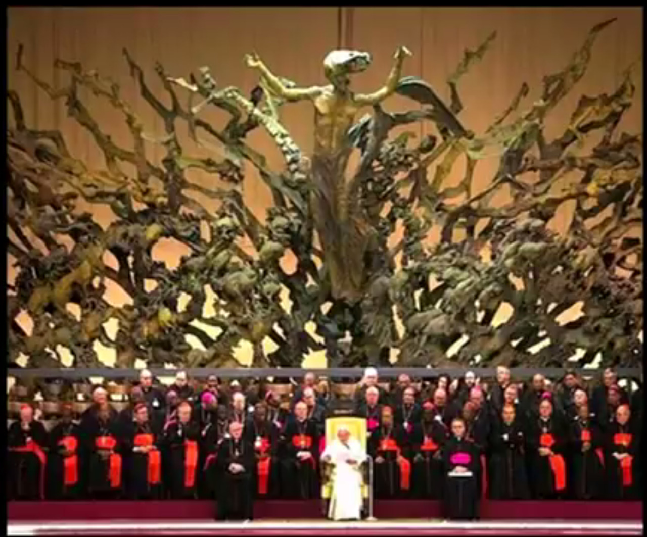 40bc17acdbf3 THE PAUL VI AUDIENCE HALL AT THE VATICAN. THE NAME OF THIS… – Conspiracy  Theories