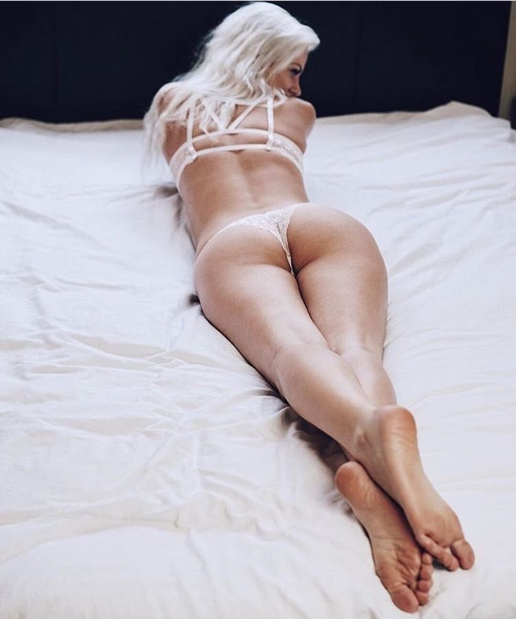littlexgirl goes platinum on white here in this hot shot to get your morning going