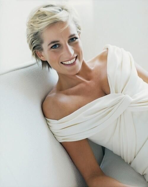 Last photoshoot of Diana Princess Of Wales, 1997 via reddit – History