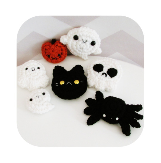 crochet pattern halloween pin pack