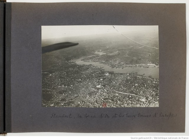 1918′de Fransız Askeriyesi tarafından çektirilmiş hava fotoğrafı http://gallica.bnf.fr/ark:/12148/btv1b8432325c