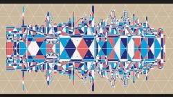 Nouveau décor pour le GAB du Crédit Mutuel dHerserange-Longlaville, reprenant le profil des hauts-fourneaux disparus de la vallée et les couleurs inspirées des émaux de Longwy, en hommage au patrimoine industriel et artistique de cette vallée.