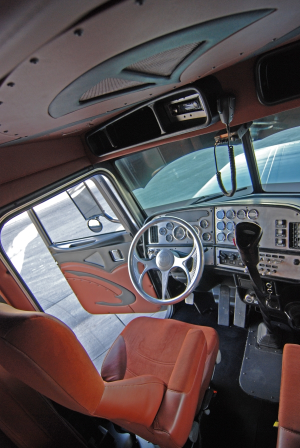 Peterbilt 389 interior lights - Peterbilt 379 interior accessories ...