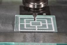 Mühlenspiel gefertigt in Glas mittels PKD Torusfräser