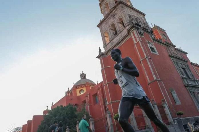 13 mil 729 corredores participaron en la novena edición de la Querétaro Maratón
