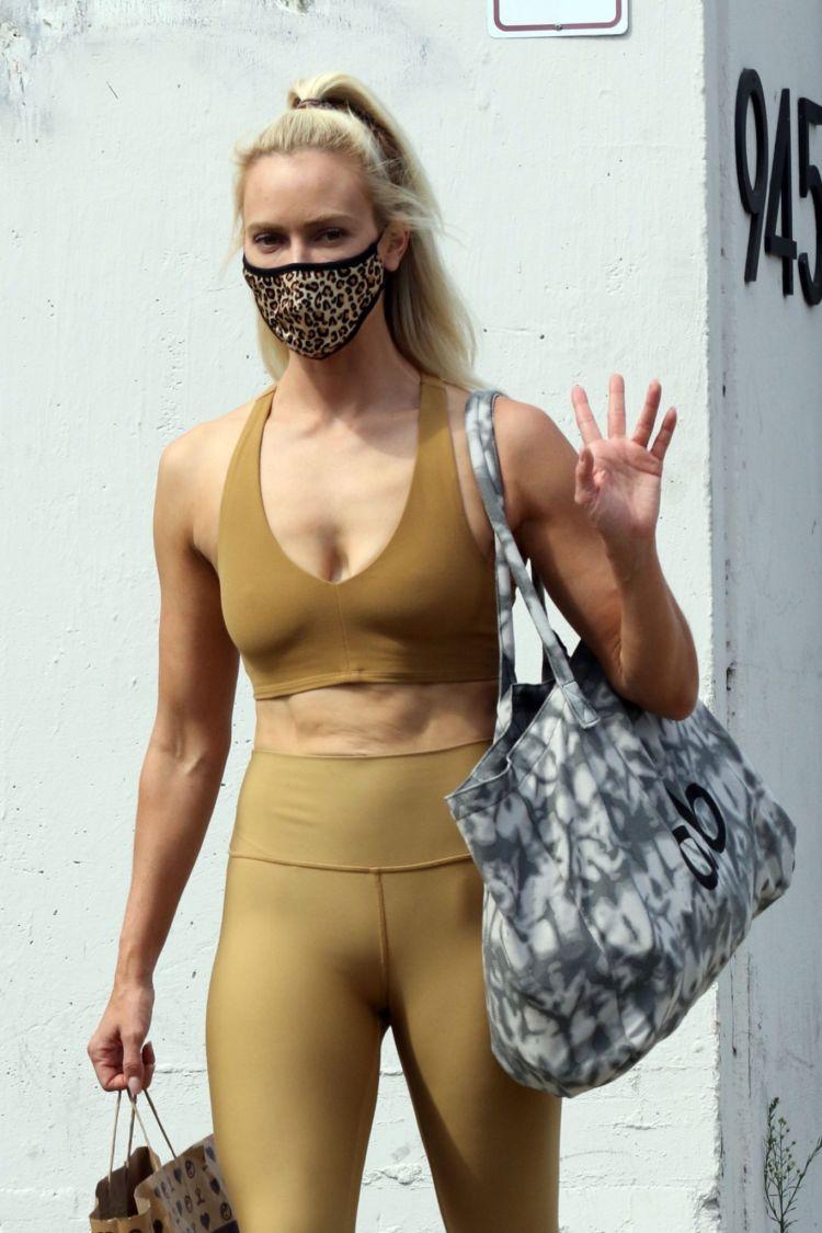 Peta Murgatroyd In Sportswear At DWTS Rehearsal Studios