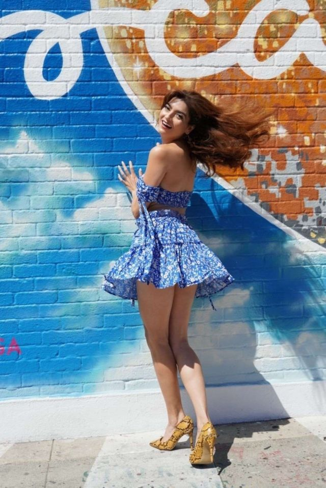 Blanca Blanco In A Blue Dress Having Coffee On Melrose