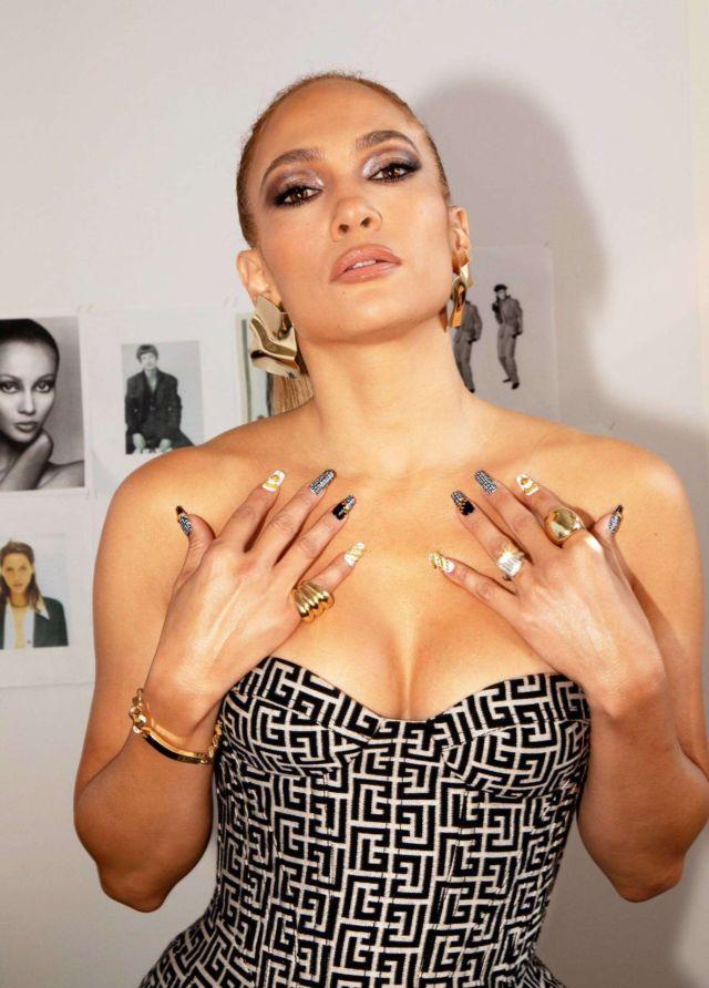 Gorgeous Jennifer Lopez In A Beautiful Photoshoot