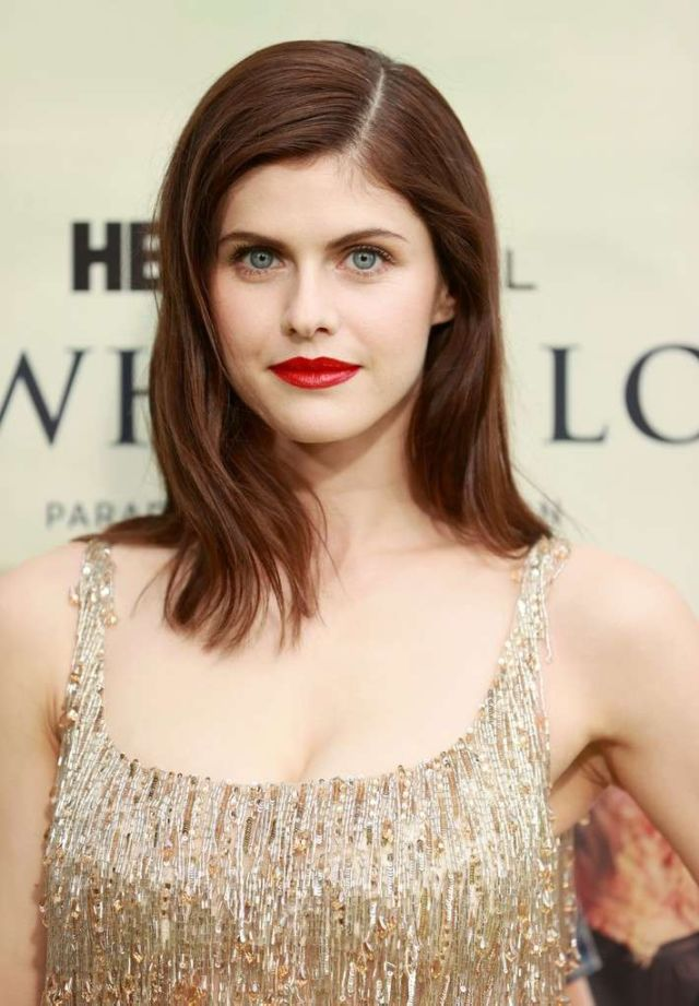 Gorgeous Alexandra Daddario Attends The Premiere Of 'The White Lotus'