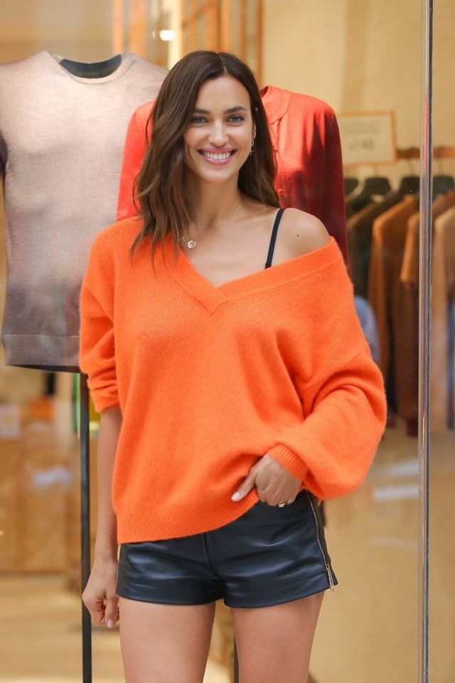 Pretty Irina Shayk Spotted At The Falconeri Boutique In New York City