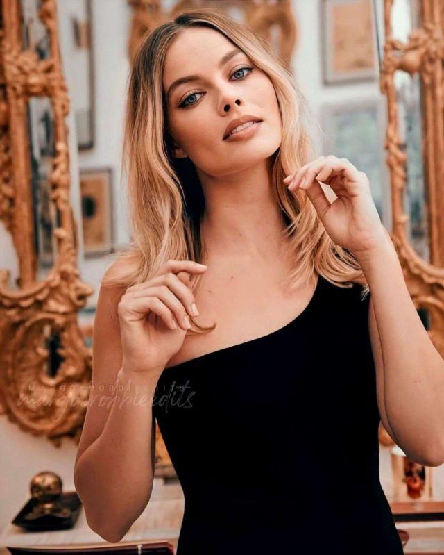 Gorgeous Margot Robbie Poses For Sony Photoshoot