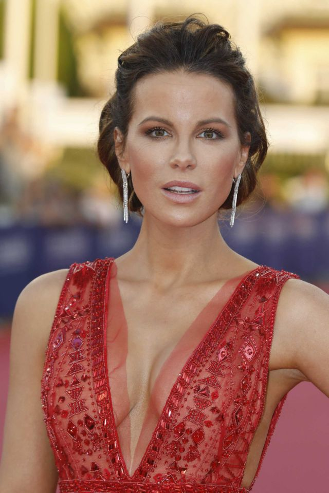 Gorgeous Kate Beckinsale Shines At The Screening Of Love And Friendship