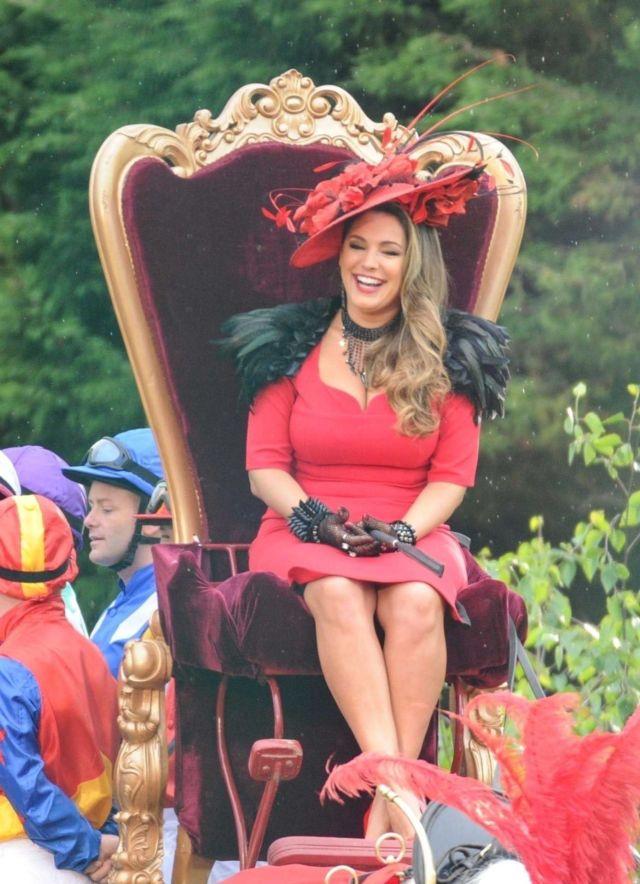 Beautiful Queen Kelly Brook Surprises Liverpool