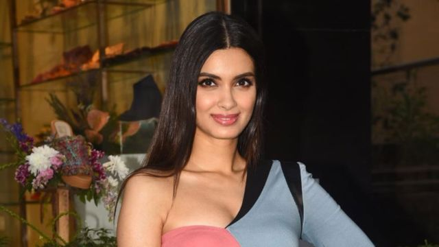 Diana Penty Looks Drop Dead Gorgeous In Abstract Dress