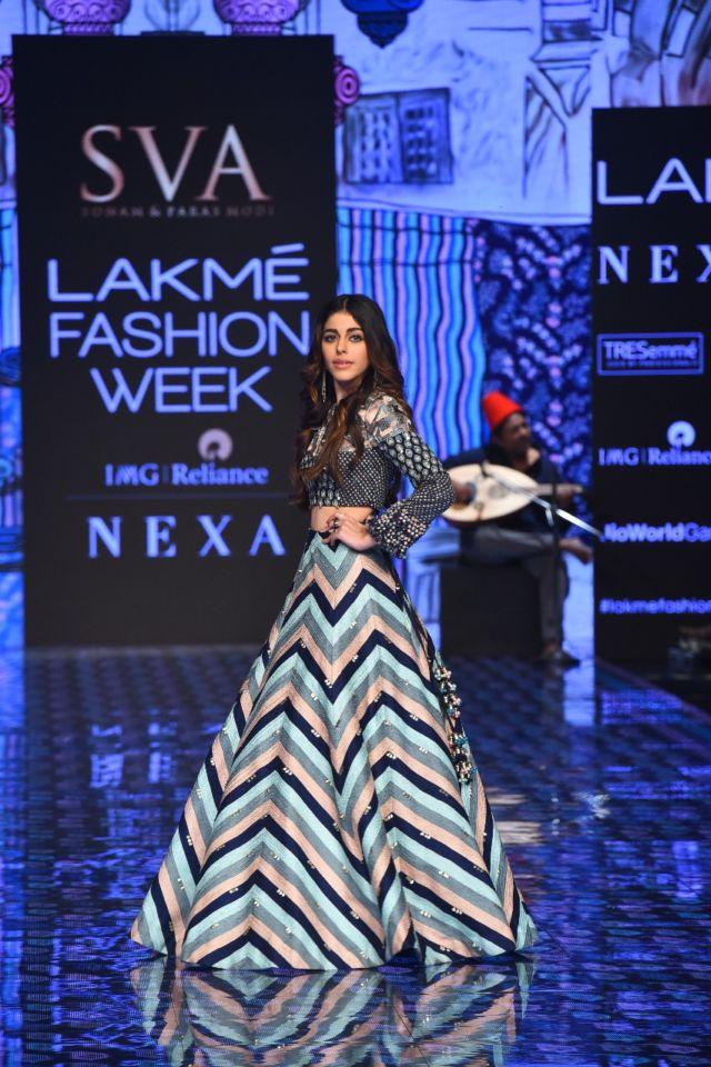 Alaya Furniturewala Walks The Runway At Lakme Fashion Week