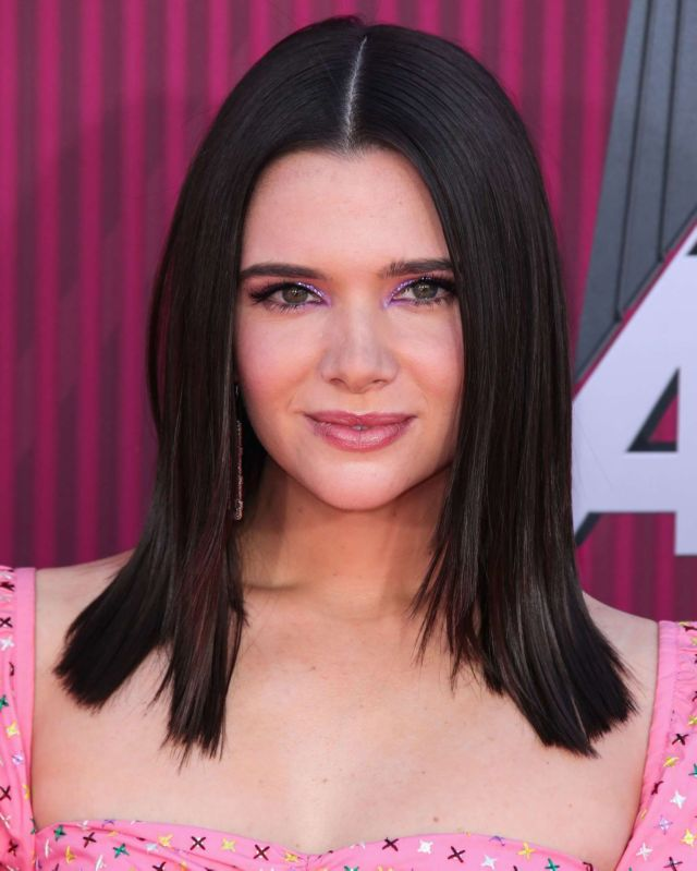 Katie Stevens Shines At The iHeartRadio Music Awards 2019