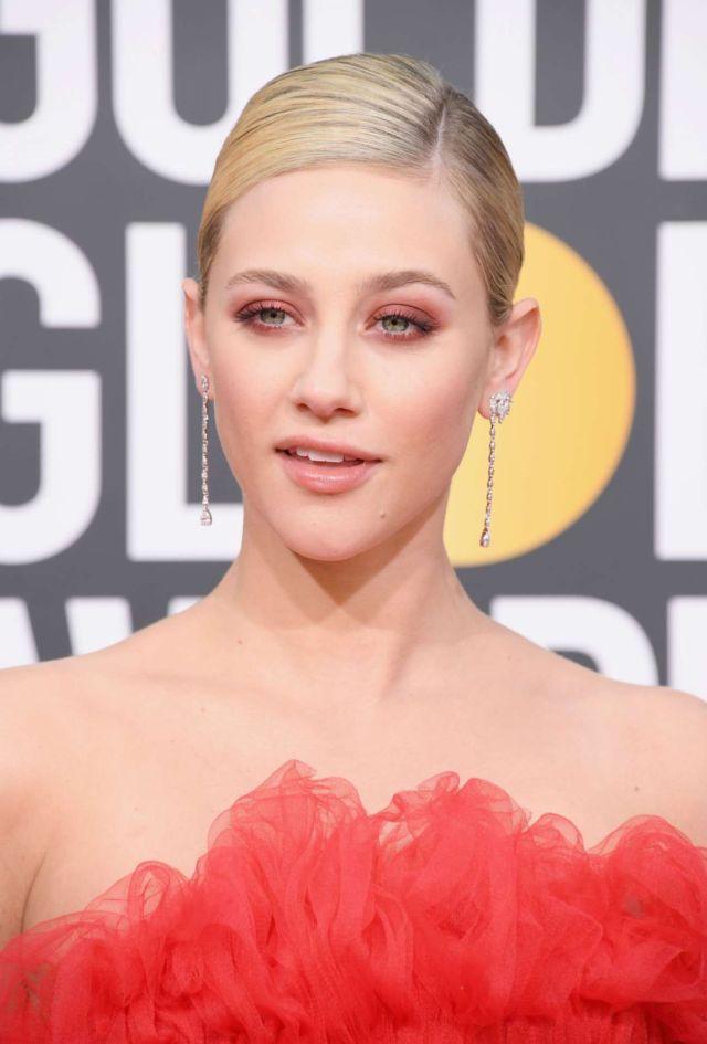 Beautiful Lili Reinhart At Golden Globe Awards 2019