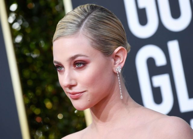Beautiful Lili Reinhart At Golden Globe Awards 2019
