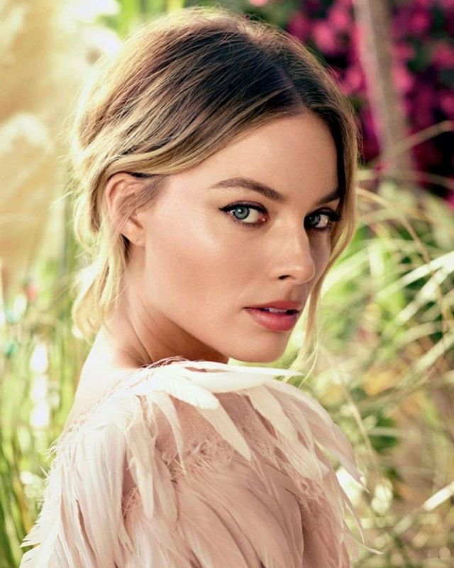 Margot Robbie Shoots For Glamour Magazine Russia (August 2019)