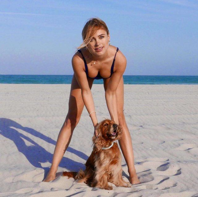 Kimberley Garner Spotted In A Swimsuit With Her Dog At The Beach