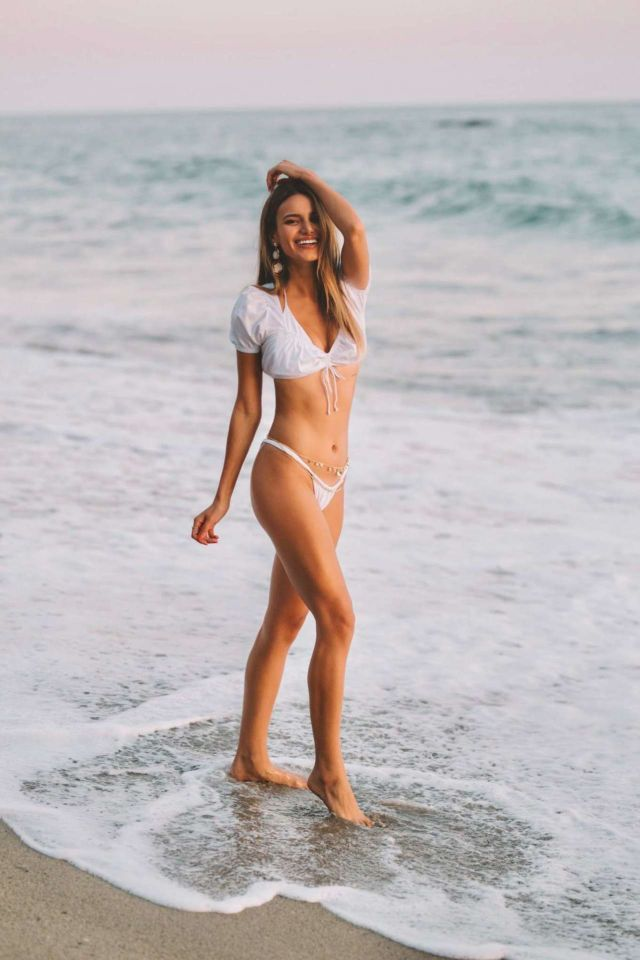 Madison Reed's Beach Photoshoot By Daniel Poplawsky 2019