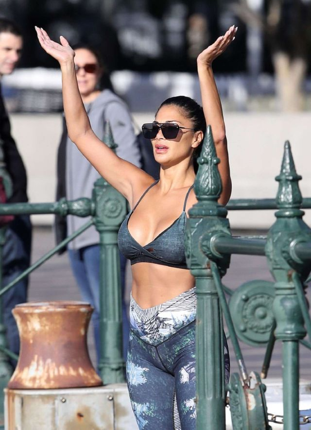 Nicole Scherzinger Practicing Yoga In Sydney